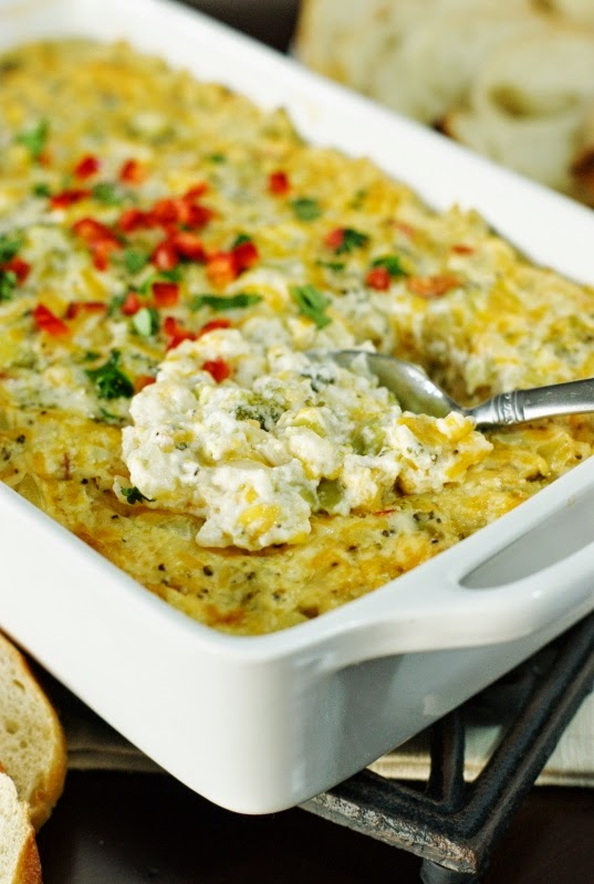 Cheesy Hot Broccoli Dip