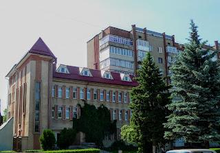 Калуш. Адміністративна будівля зі сторони майдана Шептицького