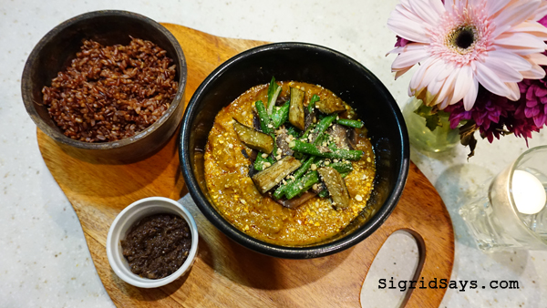 Farm to Table Restaurant - Iloilo restaurants - kare-kare