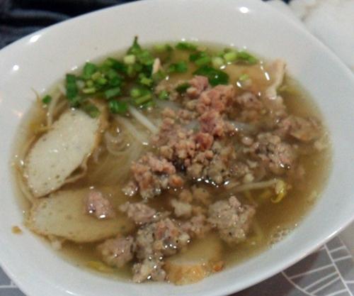 シーロムのMoo Moo Noodls