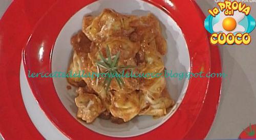 Tortelli con ricotta ed erbe al ragù di scottona ricetta Ricchebono da Prova del Cuoco