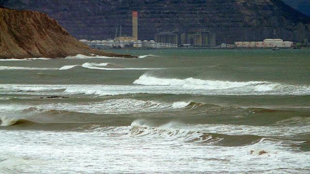 por fin surf en sopelana en invierno 05