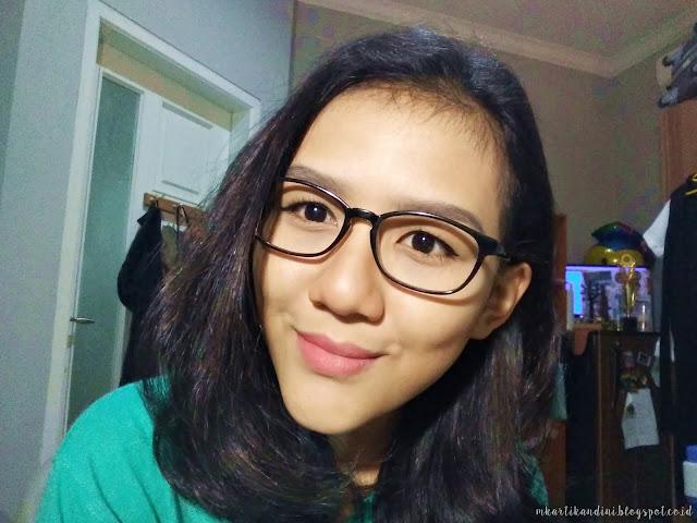 Tips Cantik Maksimal Dengan Kacamata