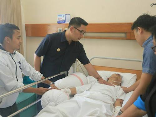 Korban Pengeroyokan Oknum Bobotoh Dijenguk Ridwan Kamil