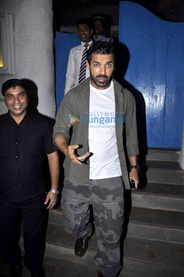 John abraham snapped at Olive