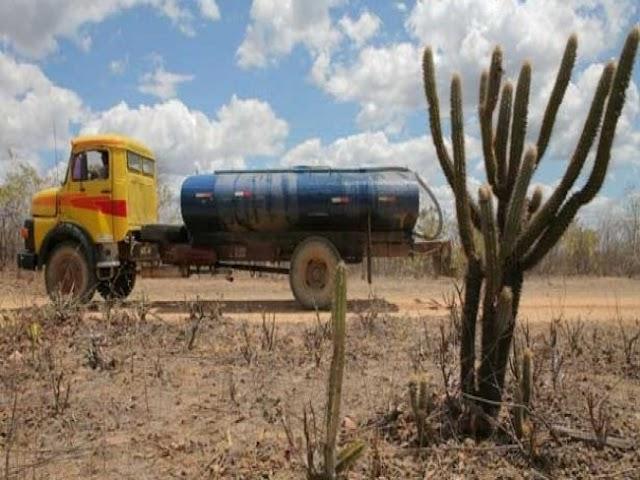 Circulação de 7 mil carros-pipas pode parar na quinta-feira por falta de recursos no Nordeste