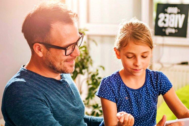 Bir baba kızına nasıl daha iyi davranmalı sorusunu her babanın kendisine sorması gerekir.