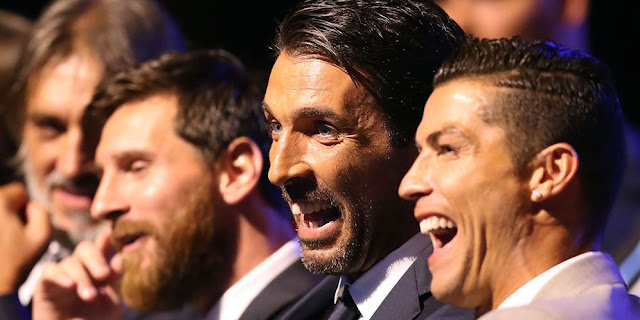 Video: Cristiano Ronaldo (CR7) dan Buffon Bercanda, Messi Awkward di Penghargaan Pemain Eropa Terbaik 2016-17