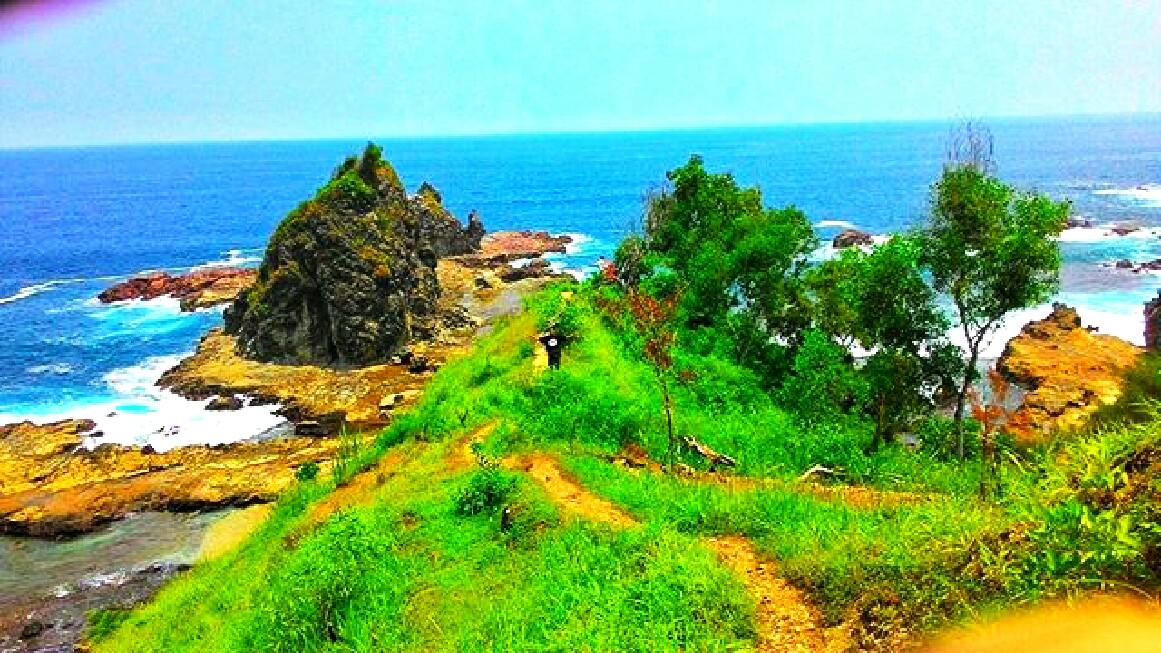 pantai watu lumbung eksotisme Gunungkidul