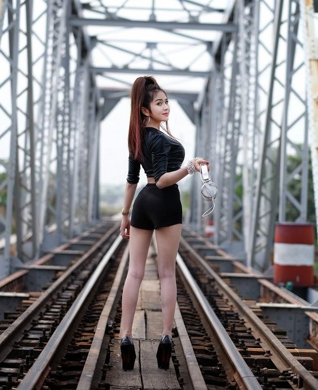 Bộ ảnh Sexy Của Nữ DJ Ny Saki