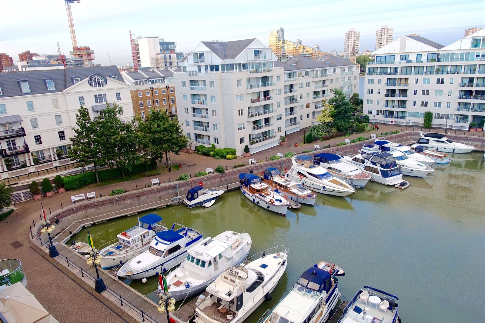 chelsea harbour and boats
