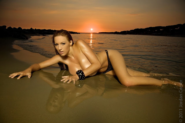 Sexiest-Jordan-Carver-Sunset-hot-HD-Photoshoot-Image-15
