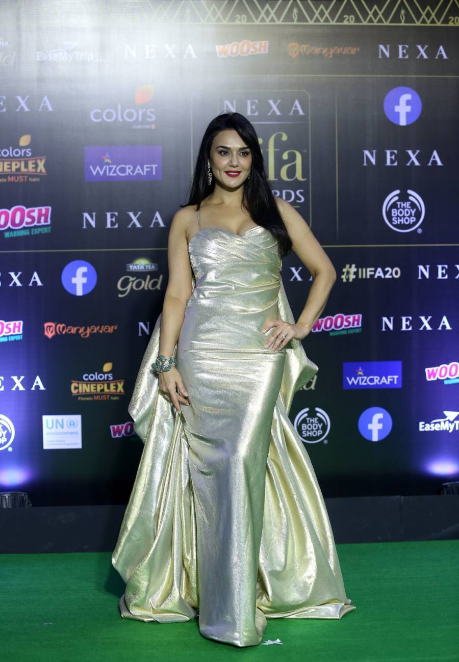 Indian Model Preity Zinta At Green Carpet Of IIFA Awards