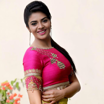Sreemukhi Wiki, Height, Weight, Age, Husband, Family and Biography