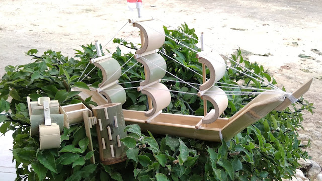 Berbagai macam Kreasi kerajinan bambu yang dimanfaatkan oleh Mahasiswa KKN 76