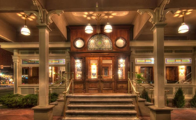 Book The General Palmer Hotel set in the heart of downtown Durango. Premier Victorian-era lodging with modern amenities, luxurious rooms.