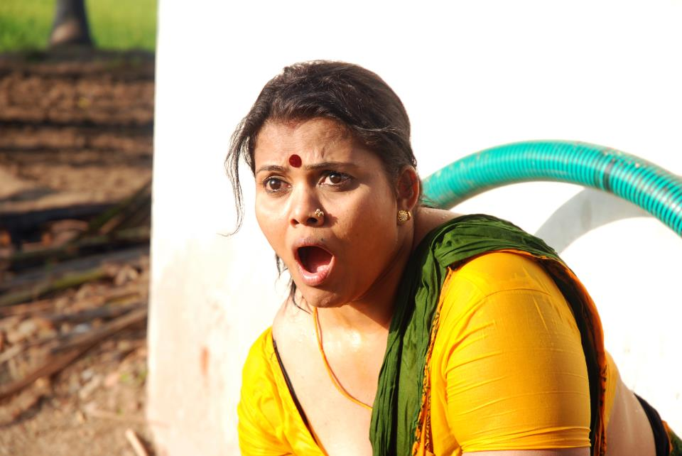 Hot aunty images tamil actress hot photos without dress ...