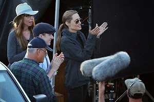 Angelina Jolie on the set of 'Unbroken': new footage