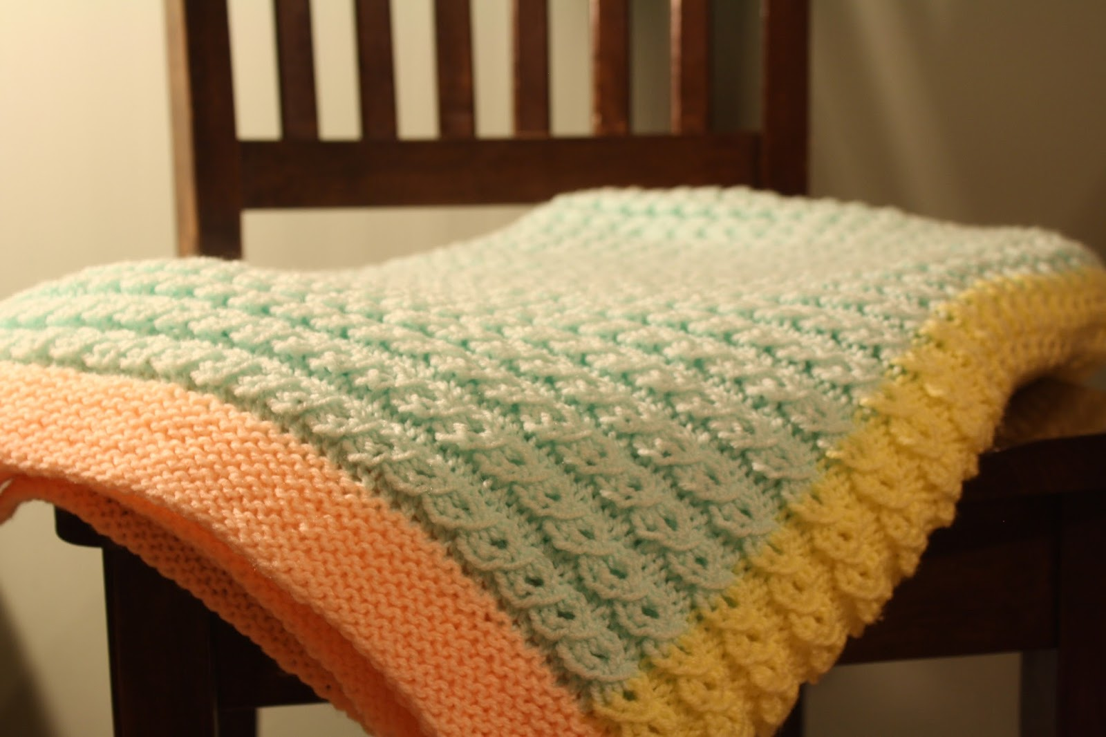 Baby Blanket Knitting Pattern - Scallop