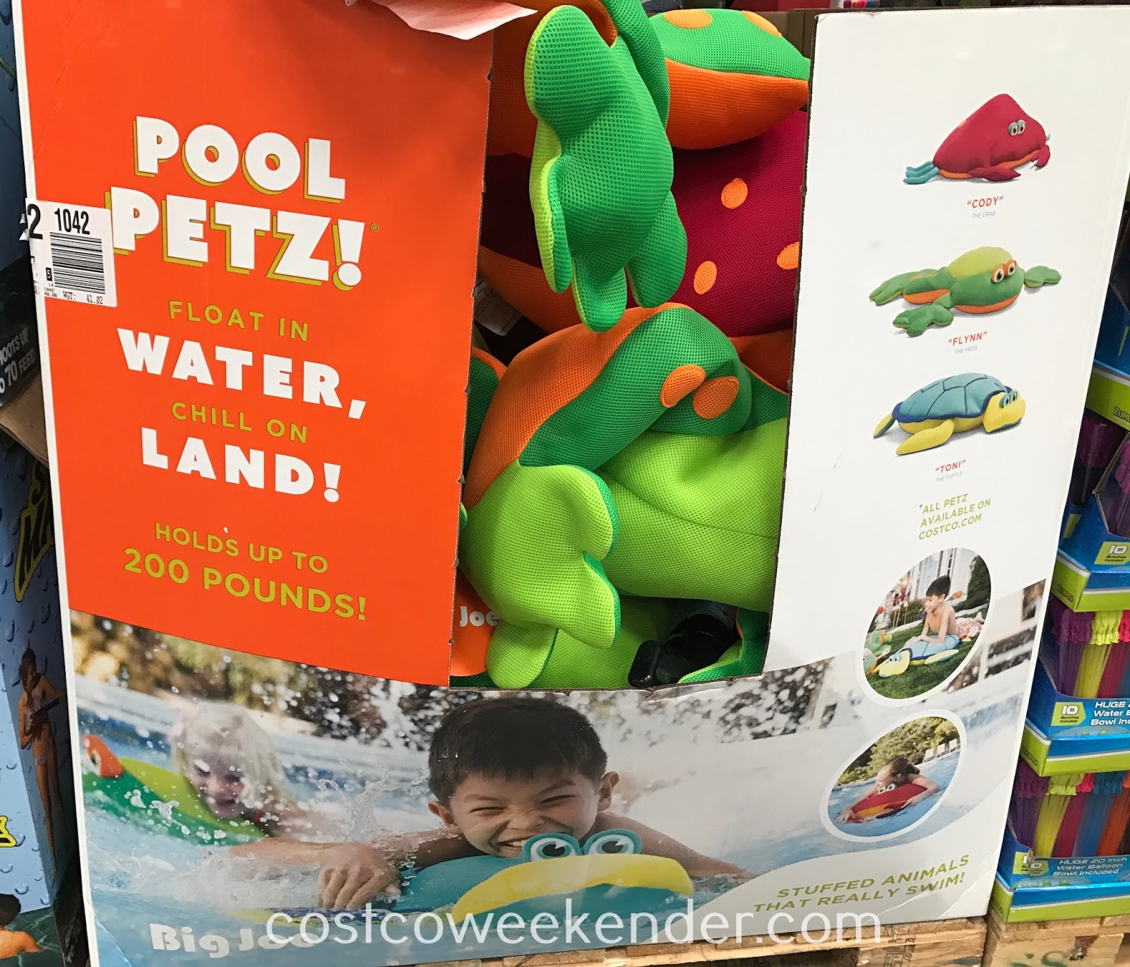 Have fun in the water with the Pool Petz Floating Pool Toy
