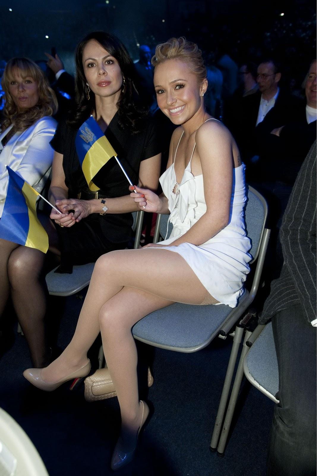 Alyson michalka dating 2011 4