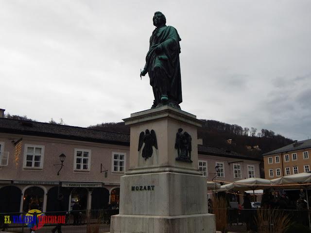 Mozart en Mozartplatz