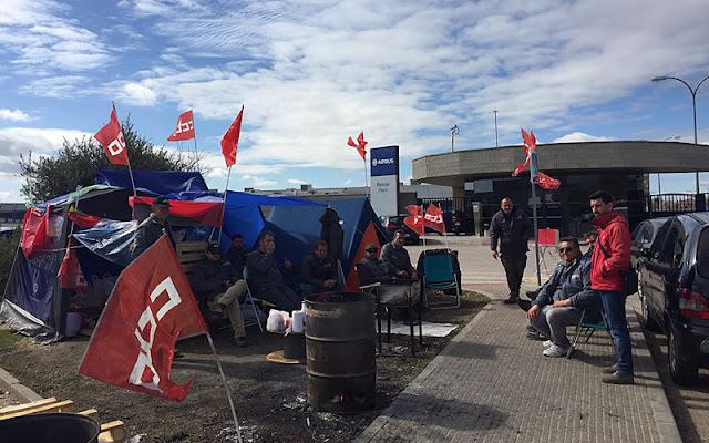 Trabajadores durante las protestas