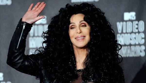 2016 É O ANO DO POP: Cher anuncia através do Twitter que vai lançar álbum novo!