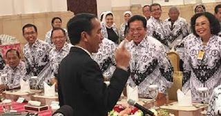 Presiden Jokowi : Saya Jadi Presiden Karena Guru