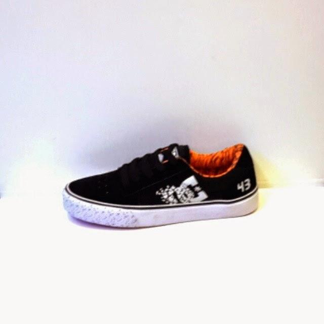 Sepatu DC 43 New Sepatu Skate Terbaru   Jual Sepatu Murah  cf3964b2f5