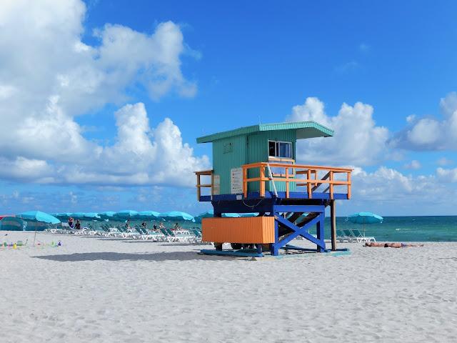 Caseta de los Socorrista en Mid Beach Miami