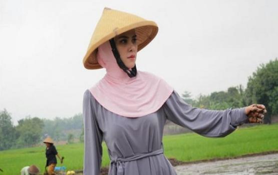 5 Fenomena Jilboobs di Kalangan Artis Indonesia