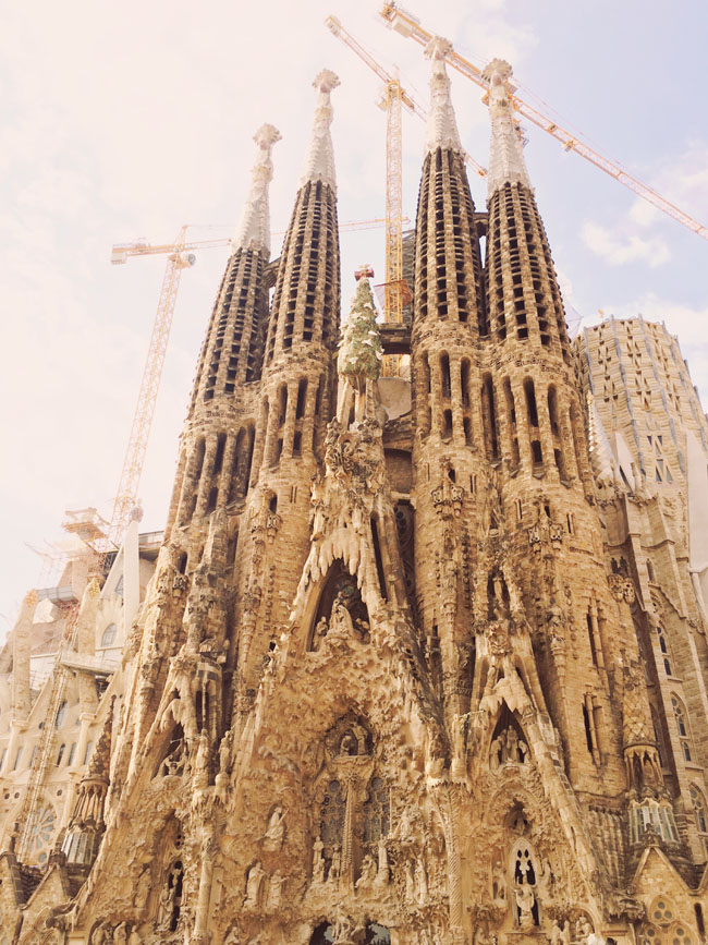 Barcelona in 3 days - Barcelona travel guide - Sagrada Familia facade - Gaudi