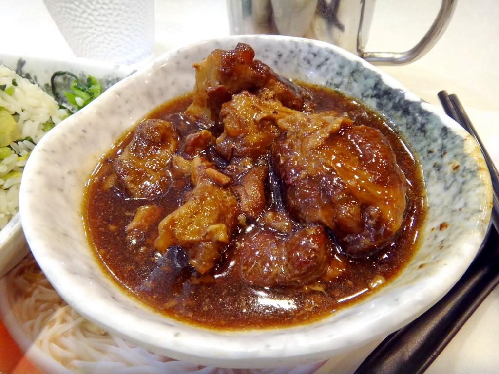 Sunny 飲飲食食: 【香港】魚米 (魚湯米線店的下午茶)
