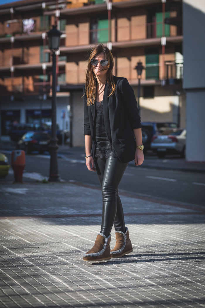 Total  Black look , top Lencero , es cuestión ,MOU , Personal Shopper ,San Sebastián