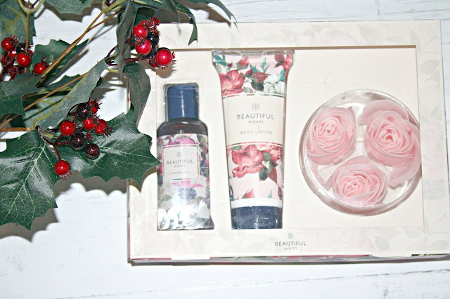 Beauty-Blends-Christmas-Collection-Treat-Gift-Set
