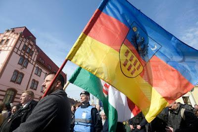 Fancsali Ernő, Erdély-zászló, Kolozsvár, Március 15, RMDSZ, EMNP, Csoma Botond