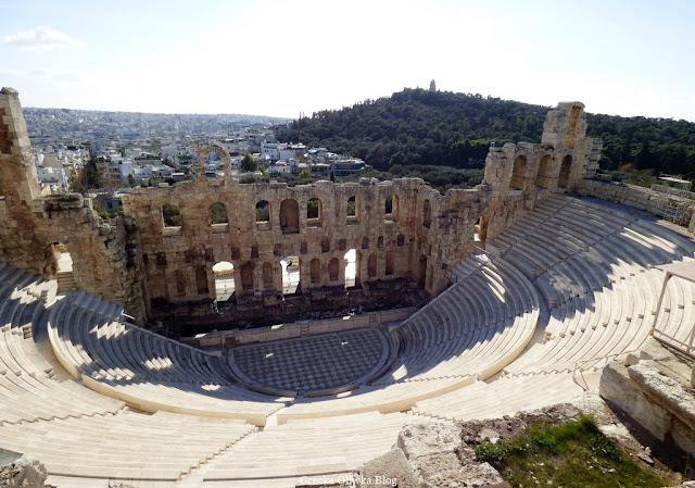 Odeon Heroda Attyka, starożytne schody oraz scena amfiteatru, ruiny Ateny Grecja