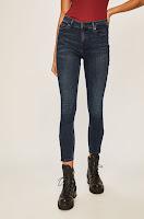 jeansi-de-firma-pentru-femei-12