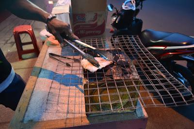 Setelah di pangkong, waktunya sotong di bakar