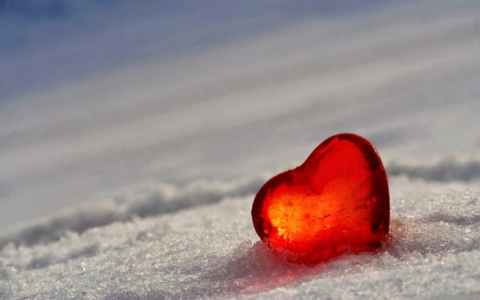 loving-heart-hd-love-wallpaper-on-ice