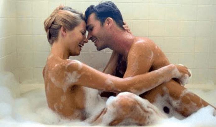 Những nguy hiểm khi quan hệ tình dục trong lúc tắm cần tránh