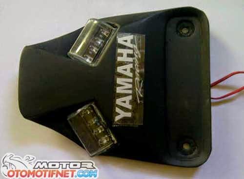 BLUSPIT MOTO BLOG: Undertail Yamaha R25 | makin seksi