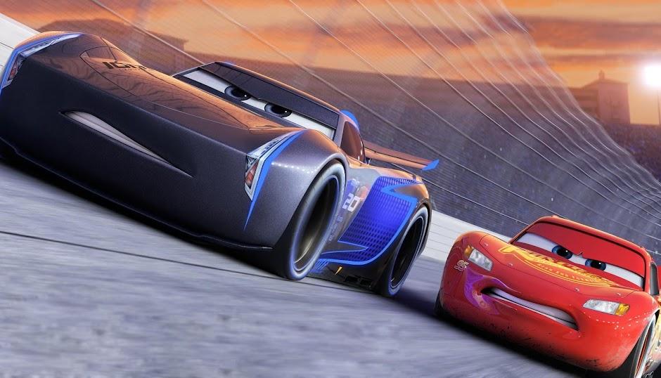 """Relâmpago McQueen está de volta no 2º trailer da animação """"Carros 3"""""""