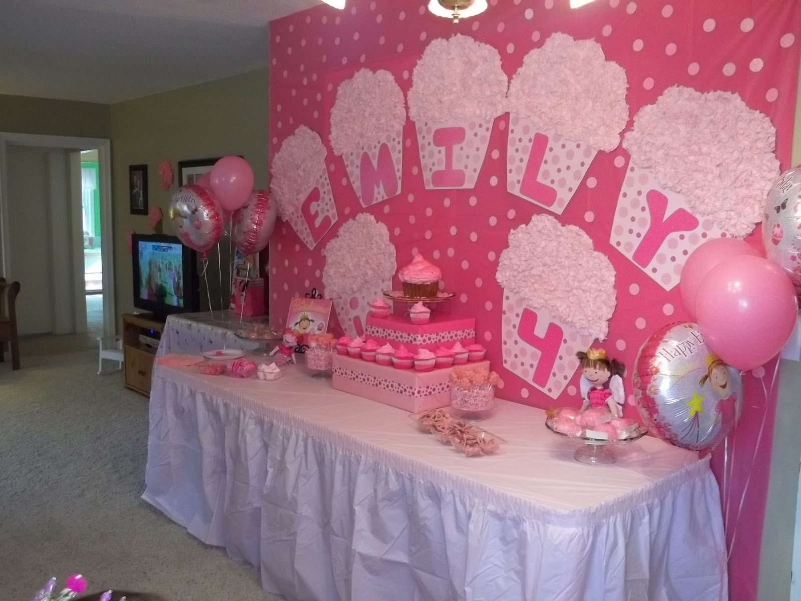 Birthday Parties for Girls: Pinkalicous 4th Birthday Party