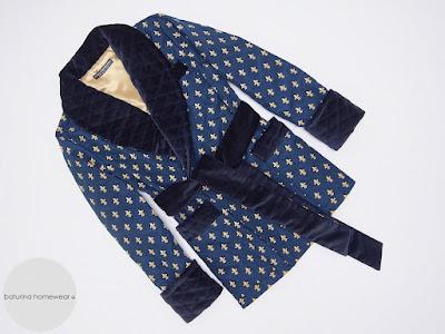herren hausjacke baumwolle seide smoking jacket gesteppt blau gold englischer morgenmantel für männer elegant edel exklusiv