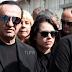 Λευτέρης Πανταζής: Κατέρρευσε στην κηδεία της μητέρας του
