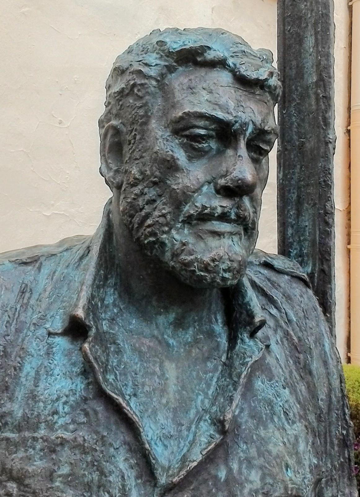 Сергей Довлатов. Памятник на Рубинштейна 23