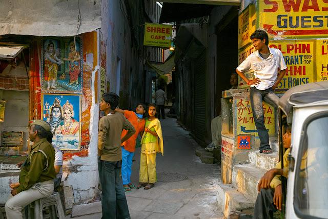 世界を征服するのが目的?ストリートアーティスト「インベーダー」のマーキング【a】