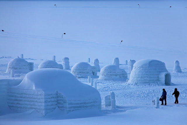 Freezing Igloo Village